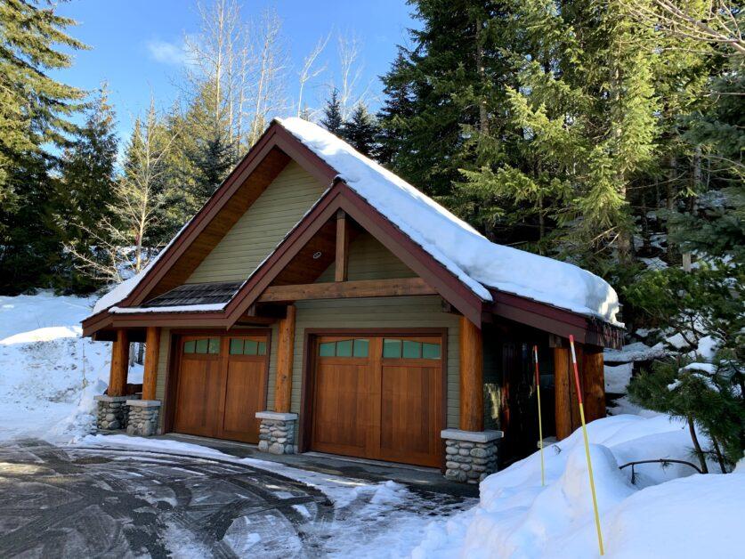 Cedar Hollow 4701 Glacier Drive single car garage