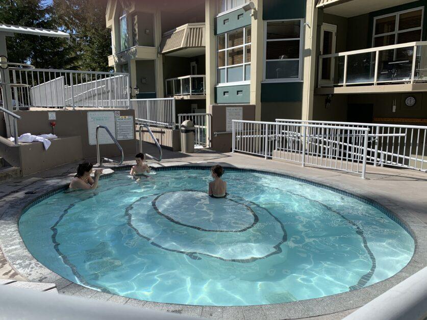 woodrun large hot tub