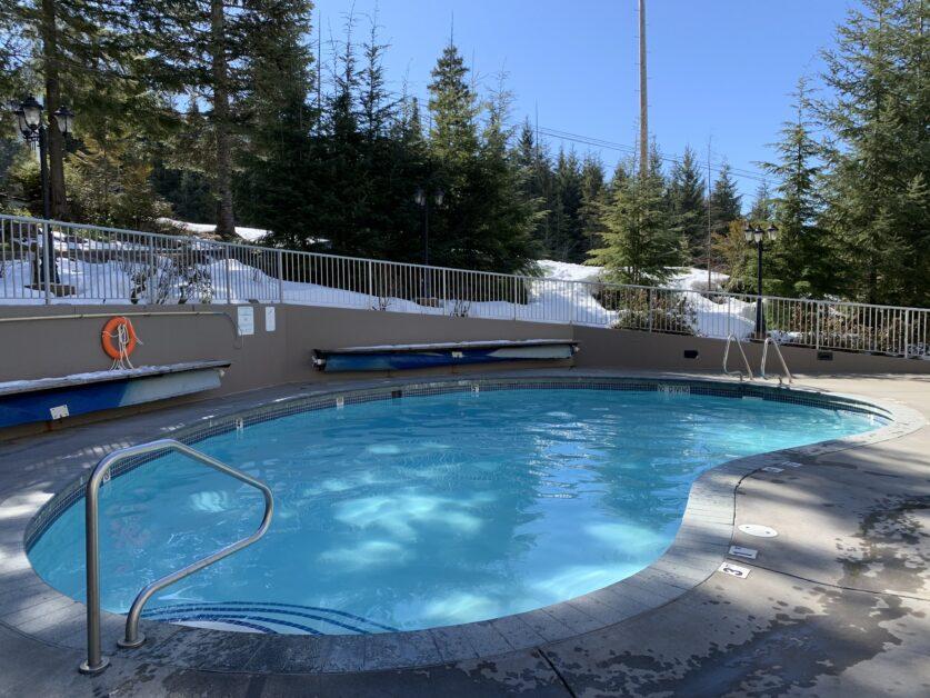 woodrun outdoor pool